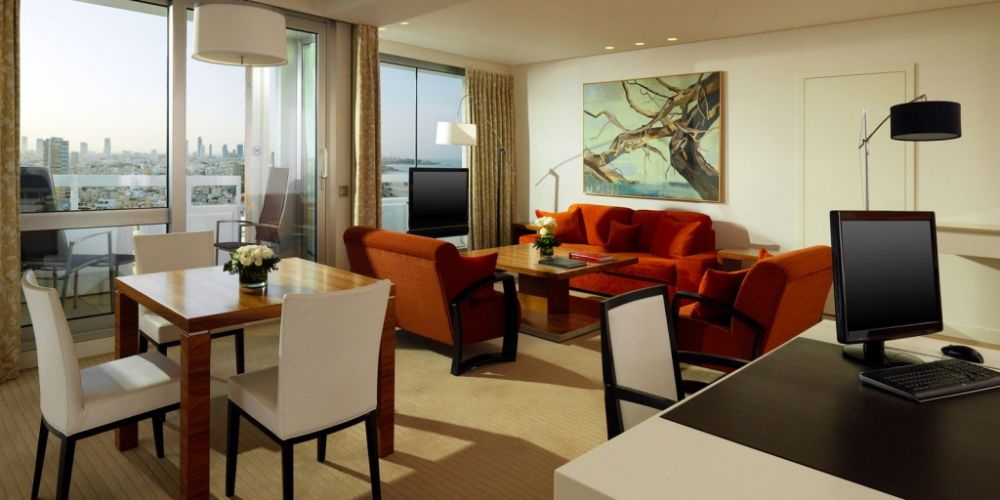 Ambassador-Suite-Living-Room