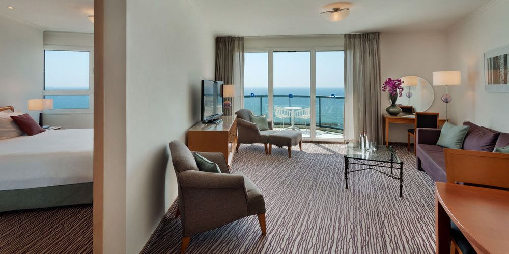 Sea-View-Tower-Suite