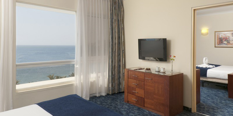 Leonardo Plaza Family Suite
