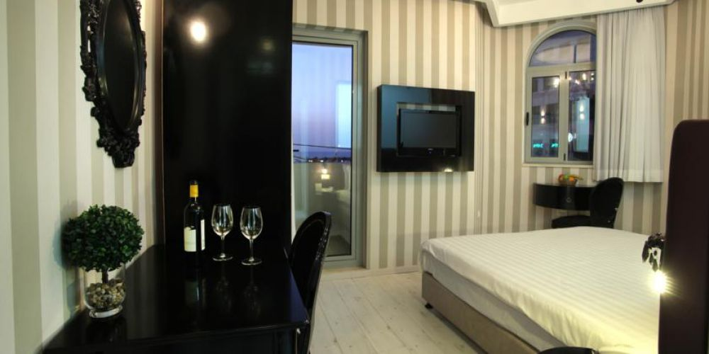 DOUBLE-ROYAL-ROOM-