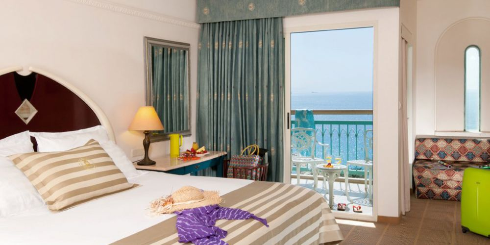 Deluxe-Room-with-Sea-View